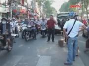 Camera hành trình - 4 xe tông liên hoàn vì tránh người gặp nạn