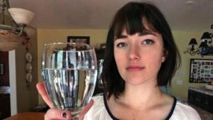 Sức khỏe đời sống - Bệnh lạ: Cô gái bị dị ứng với nước mắt của chính mình