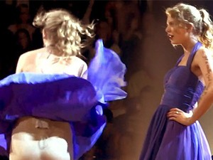 Váy - Đầm - 1001 pha bục quần, bay váy bất thình lình