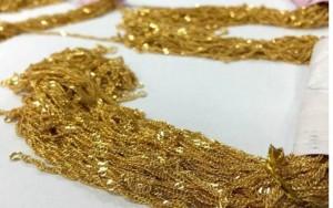 Thế giới - Tài xế taxi trả lại 300 dây chuyền vàng khách bỏ quên trên xe