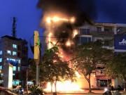 Bản tin 113 - Hà Nội: Phòng giao dịch ngân hàng cháy lớn