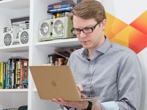 Máy tính xách tay - Đánh giá Macbook 12 inch: Siêu mỏng, siêu nhẹ