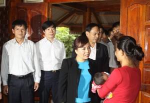 Tin tức trong ngày - Bộ trưởng Y tế giải thích việc bắt buộc mua BHYT theo hộ gia đình