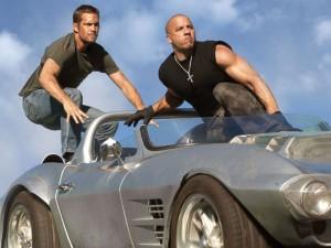 """Phim - """"Fast & Furious 7"""" vẫn gây bão toàn cầu với doanh thu khủng"""