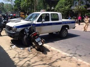 An ninh Xã hội - Trộm xe SH rồi bỏ chạy, lao vào ôtô CSGT tử vong