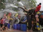 Điểm du lịch - Clip: Ấn tượng lễ hội té nước ở Đông Nam Á