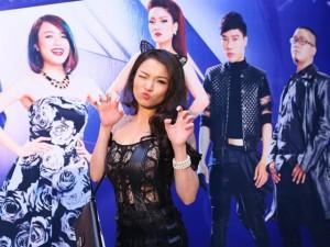 Ca nhạc - MTV - Thủy Top diện váy xuyên thấu hóa miêu nữ