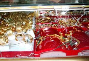 """An ninh Xã hội - Trộm đột nhập tiệm vàng """"nẫng"""" tiền tỷ trong đêm"""