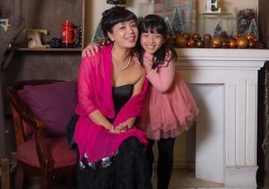Bạn trẻ - Cuộc sống - Con gái út của NSƯT Chiều Xuân góp tiền mua ô tô với mẹ