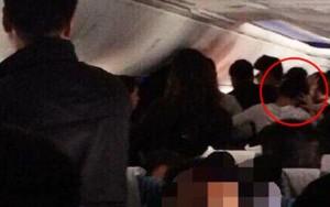 """Tin tức trong ngày - 4 nữ hành khách TQ """"hỗn chiến"""" trên máy bay"""