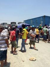 Tin tức trong ngày - Dân lại đổ ra QL 1 chặn xe, phản đối nhà máy nhiệt điện