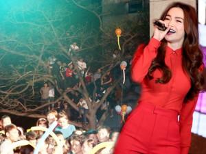 Ca nhạc - MTV - Khán giả chen chúc leo cây, vượt tường xem Hà Hồ diễn