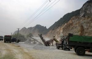Tin tức Việt Nam - Tài xế xe tải bị điện giật, thiêu cháy đen ở mỏ đá