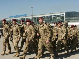 300 lính dù Mỹ vào Ukraine, Nga  đứng ngồi không yên