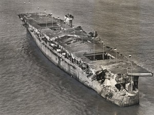 """Tin tức trong ngày - Tàu chiến Mỹ """"nguyên vẹn lạ kỳ"""" sau 2 vụ nổ hạt nhân"""