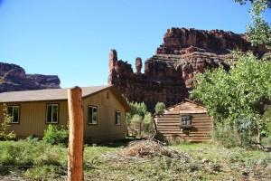 Du lịch - Có gì hay ở ngôi làng tuyệt đẹp cô lập giữa nước Mỹ phồn hoa?