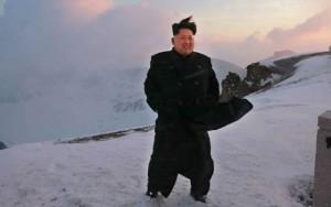 Tin tức trong ngày - Lãnh đạo Kim Jong-un chinh phục ngọn núi cao nhất Triều Tiên