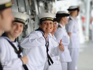 Tin tức trong ngày - Anh: Sơ tán 25 nữ binh sĩ dính bầu trên tàu chiến