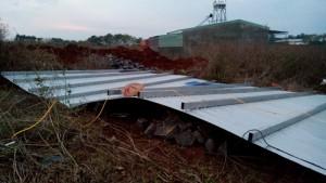 Tin tức trong ngày - Gia Lai: Lốc xoáy tung mái nhà, một quân nhân tử vong