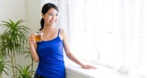 """Sức khỏe đời sống - Phụ nữ có nên uống trà xanh trong ngày """"đèn đỏ""""?"""