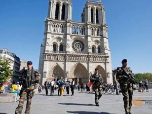 """Thế giới - Pháp """"may mắn"""" phá âm mưu tấn công khủng bố ở Paris"""