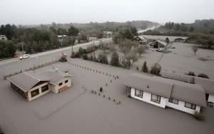 Tin tức trong ngày - Ảnh: Tro bụi núi lửa nhấn chìm các thành phố Chile