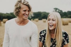 8X + 9X - Cuộc sống hạnh phúc của cặp đôi mê du lịch