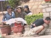 Camera giấu kín - Camera giấu kín: Bị ngộ độc khi ăn quà vặt ở vỉa hè