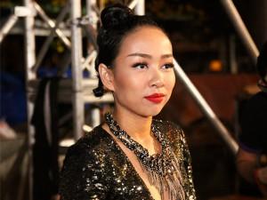 Ca nhạc - MTV - Thảo Trang lặng lẽ đi hát trước tin đồn chia tay bạn trai Tây