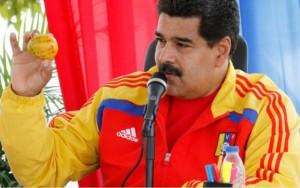 Tin tức trong ngày - Tổng thống Venezuela tặng nhà cho người ném xoài vào đầu ông