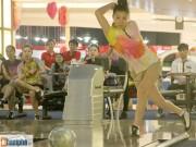 Các môn thể thao khác - Xem chị em trổ tài ném bowling điệu nghệ
