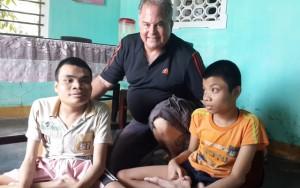 Tin tức Việt Nam - Cựu binh Mỹ trả nợ cuộc chiến