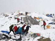 Clip Đặc Sắc - Đùa với tử thần: Động đất Nepal, 18 VĐV leo núi Everest tử nạn