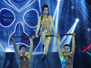 Ca nhạc - MTV - Đông Nhi không muốn đoán trước kết quả The Remix