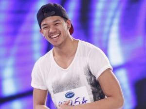 Mặt sau cánh gà - Những hot boy đặc biệt ở vòng loại của Vietnam Idol