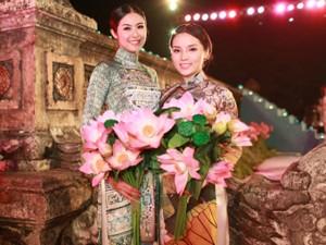 Thời trang - Hoa hậu Kỳ Duyên mặc áo dài trình diễn catwalk