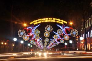 Tin tức trong ngày - Đường phố Sài Gòn đẹp rực rỡ mừng ngày giải phóng
