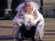 """Tranh vui - Những hình ảnh """"khó đỡ"""" trong đám cưới"""