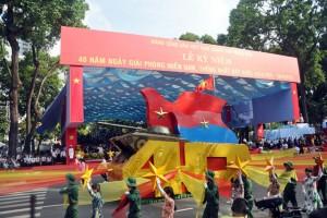 Tin tức trong ngày - Ảnh: Hùng tráng lễ diễu binh mừng ngày thống nhất đất nước