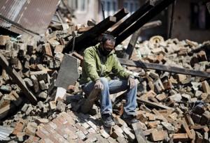 Học ứng phó động đất bỏ về:  Muốn ở lại mà không được  (!?)