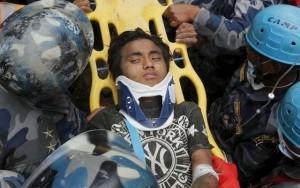 Thế giới - Nepal: Sống sót kỳ diệu sau 5 ngày bị chôn vùi
