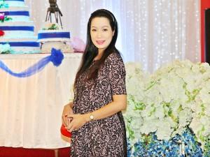 Trịnh Kim Chi thọn gọn dù mang thai tháng thứ 7