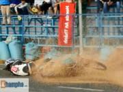 """Các môn thể thao khác - Tai nạn """"như mưa"""" tại giải đua mô tô ở Bình Dương"""