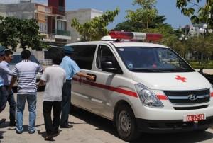 Tin tức Việt Nam - Đưa thi thể phi công Nguyễn Anh Tú về thăm nhà
