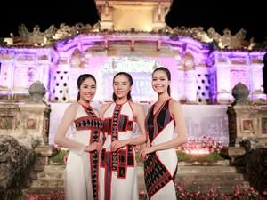 Thời trang - 3 nàng Hoa hậu Việt Nam đọ sắc vóc tại Huế