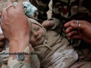 Nepal: Nghẹt thở giải cứu bé 5 tháng tuổi bị vùi lấp