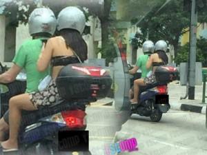 Thời trang - Cô gái châu Á gây sốc vì mặc hở hang dạo phố