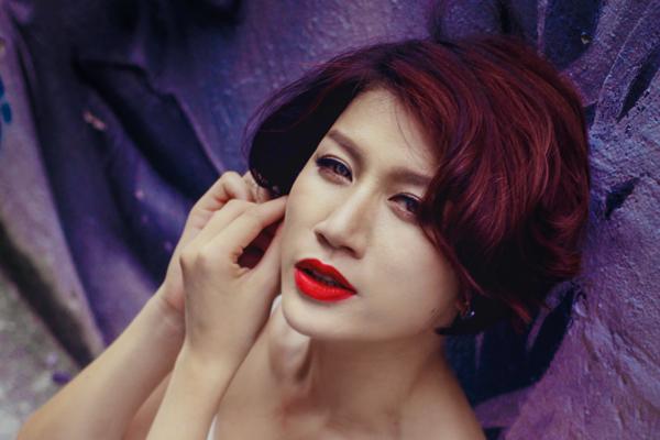 Bị khởi tố, Trang Trần được tại ngoại vì mang bầu