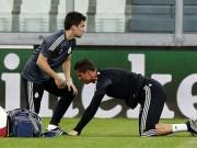 Bóng đá Tây Ban Nha - Nóng: Ronaldo chấn thương lưng, Real lo sốt vó