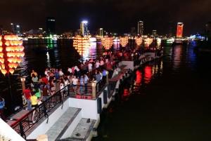 8X + 9X - Ngắm cầu tàu tình yêu hút giới trẻ ở Đà Nẵng